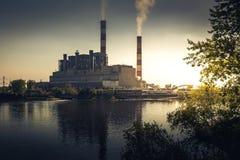 Εγκαταστάσεις ηλεκτρικής δύναμης στο χρώμα Στοκ Εικόνες