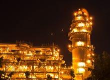 εγκαταστάσεις καθαρισμού εργοστασίων πετροχημικών πετρελαίου Στοκ εικόνες με δικαίωμα ελεύθερης χρήσης