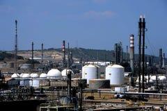 Εγκαταστάσεις καθαρισμού πετρελαίου και φυσικού αερίου σύνθετες Στοκ φωτογραφίες με δικαίωμα ελεύθερης χρήσης