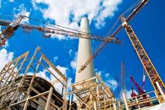 Εγκαταστάσεις και γερανοί παραγωγής ενέργειας Στοκ Εικόνες