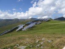 Εγκαταστάσεις παραγωγής ενέργειας που χρησιμοποιούν την ανανεώσιμη ηλιακή ενέργεια στο όρος, Αυστρία Στοκ εικόνες με δικαίωμα ελεύθερης χρήσης