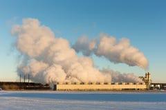 Εγκαταστάσεις παραγωγής ενέργειας το χειμώνα Στοκ φωτογραφία με δικαίωμα ελεύθερης χρήσης