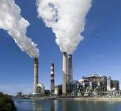 Εγκαταστάσεις παραγωγής ενέργειας Στοκ Φωτογραφίες