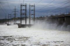 Εγκαταστάσεις υδροηλεκτρικής ενέργειας στο Βόλγα Στοκ Φωτογραφίες