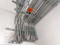 Εγκαταστήστε τα ηλεκτρικά συστήματα στα κτήρια στοκ φωτογραφία με δικαίωμα ελεύθερης χρήσης