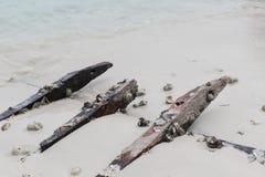 Εγκαταλείψτε το ξύλο από μέρος του σκάφους Στοκ εικόνες με δικαίωμα ελεύθερης χρήσης
