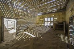 Εγκαταλειμμένα σπίτια σε Kolmanskop, Ναμίμπια Στοκ φωτογραφία με δικαίωμα ελεύθερης χρήσης