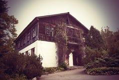 Εγκαταλειμμένες τυλιγμένες σπίτι εγκαταστάσεις Στοκ Εικόνες