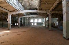 Εγκαταλειμμένη αποθήκη εμπορευμάτων Στοκ Φωτογραφία