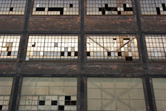 Εγκαταλειμμένη λεπτομέρεια παραθύρων αποθηκών εμπορευμάτων Στοκ Εικόνες