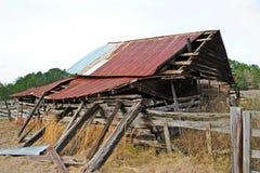 εγκαταλειμμένη σιταποθήκη παλαιά Στοκ εικόνα με δικαίωμα ελεύθερης χρήσης