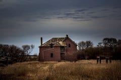 Εγκαταλειμμένη στροφή το του αιώνα αγροτικό σπίτι Στοκ φωτογραφία με δικαίωμα ελεύθερης χρήσης