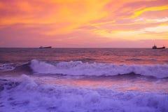 εγκαταλειμμένος ο παραλία γιος θάλασσας μητέρων νησιών χεριών προσδιορίζει τη θύελλα Στοκ Φωτογραφίες