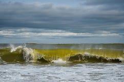 εγκαταλειμμένος ο παραλία γιος θάλασσας μητέρων νησιών χεριών προσδιορίζει τη θύελλα Στοκ εικόνες με δικαίωμα ελεύθερης χρήσης