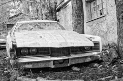 Εγκαταλειμμένος παγετός αυτοκινήτων λιμουζινών εγκαίρως Στοκ Φωτογραφία