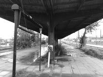 εγκαταλειμμένος σταθμό&si Καλλιτεχνικός κοιτάξτε σε γραπτό Στοκ εικόνα με δικαίωμα ελεύθερης χρήσης