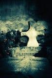 Εγκαταλειμμένος τάφος στο παλαιό νεκροταφείο προσθήκη της μαύρης ετικέττας σχοινιών εικόνας σιταριού πατωμάτων ποδιών θανάτου πτω Στοκ φωτογραφία με δικαίωμα ελεύθερης χρήσης