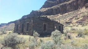 Εγκαταλειμμένο αγροτικό σπίτι στοκ φωτογραφία με δικαίωμα ελεύθερης χρήσης