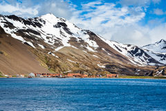 Εγκαταλειμμένο γεμισμένο αμίαντος χωριό κυνηγιού φάλαινας στο νησί Stomness Στοκ εικόνες με δικαίωμα ελεύθερης χρήσης