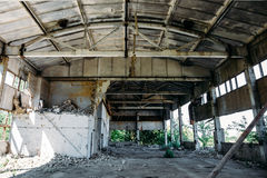 Εγκαταλειμμένο εργοστάσιο, εγκαταλειμμένη αποθήκη εμπορευμάτων Στοκ φωτογραφία με δικαίωμα ελεύθερης χρήσης