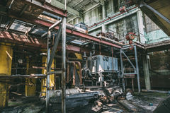 Εγκαταλειμμένο εσωτερικό εργοστασίων μέσα Στοκ Φωτογραφίες