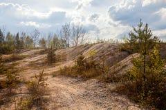 Εγκαταλειμμένο ορυχείο - χαλασμένο τοπίο μετά από τη μεταλλεία στοκ φωτογραφία με δικαίωμα ελεύθερης χρήσης
