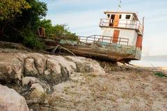 Εγκαταλειμμένο περιπλανώμενο σκάφος Στοκ εικόνες με δικαίωμα ελεύθερης χρήσης