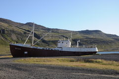Εγκαταλειμμένο σκάφος αλιείας Στοκ Εικόνες