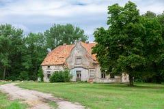 εγκαταλειμμένο σπίτι παλαιό Στοκ Φωτογραφίες