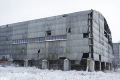 Εγκαταλειμμένο υπόστεγο αποθηκών εμπορευμάτων Στοκ Εικόνες