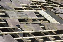 Εγκαταλελειμμένη στέγη πλακών Στοκ Εικόνες