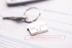 Εγκεκριμένη εφαρμογή συμφωνίας ενυπόθηκου δανείου Στοκ φωτογραφίες με δικαίωμα ελεύθερης χρήσης