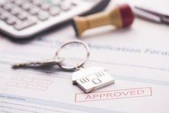 Εγκεκριμένη εφαρμογή συμφωνίας ενυπόθηκου δανείου Στοκ Φωτογραφίες