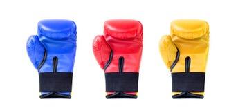 Εγκιβωτίζοντας γάντια στα διαφορετικά χρώματα Στοκ Εικόνες