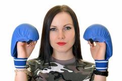 Εγκιβωτίζοντας κορίτσι Brunette Στοκ φωτογραφία με δικαίωμα ελεύθερης χρήσης