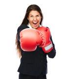 Εγκιβωτίζοντας punching επιχειρησιακών γυναικών Στοκ φωτογραφία με δικαίωμα ελεύθερης χρήσης