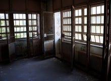 Εγκλωβισμένα παράθυρα Στοκ φωτογραφία με δικαίωμα ελεύθερης χρήσης