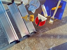 Εγχώρια επισκευή Διαφορετικά εργαλεία για τις εργασίες Στοκ φωτογραφία με δικαίωμα ελεύθερης χρήσης