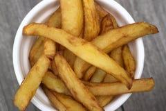 Εγχώρια τηγανητά στα κύπελλα για το πρόχειρο φαγητό Στοκ Φωτογραφίες