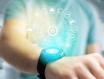 Εγχώριο κουμπί μιας διεπαφής τεχνολογίας που περιβάλλεται από την εφαρμογή Στοκ φωτογραφίες με δικαίωμα ελεύθερης χρήσης