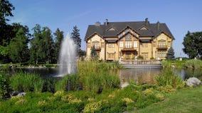 Εγχώριο μεγάλο σπίτι Στοκ φωτογραφία με δικαίωμα ελεύθερης χρήσης