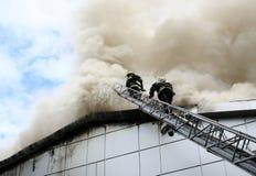 εθελοντείς πυροσβέστ&epsilo στοκ φωτογραφία