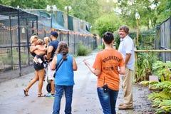 Εθελοντικοί επισκέπτες αδύτων άγριας φύσης καλυβών της Φλώριδας μοχθηροί Στοκ εικόνες με δικαίωμα ελεύθερης χρήσης
