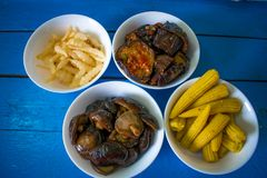 Εθνικά κορεατικά τρόφιμα στα πιάτα Στοκ Εικόνες