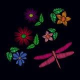Εθνικά λουλούδια κεντητικής με τη λιβελλούλη Στοκ Φωτογραφίες