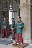 Εθνικές φρουρές σε Publico Palazzo, Άγιος Μαρίνος Στοκ εικόνες με δικαίωμα ελεύθερης χρήσης