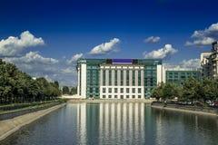 Εθνική βιβλιοθήκη του Βουκουρεστι'ου στοκ εικόνα με δικαίωμα ελεύθερης χρήσης
