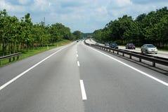 Εθνική οδός και δέντρα στοκ φωτογραφία με δικαίωμα ελεύθερης χρήσης
