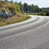Εθνική οδός με τα προειδοποιητικά σημάδια Στοκ φωτογραφία με δικαίωμα ελεύθερης χρήσης