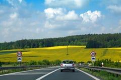 εθνική οδός πεδίων κίτρινη Στοκ Εικόνα